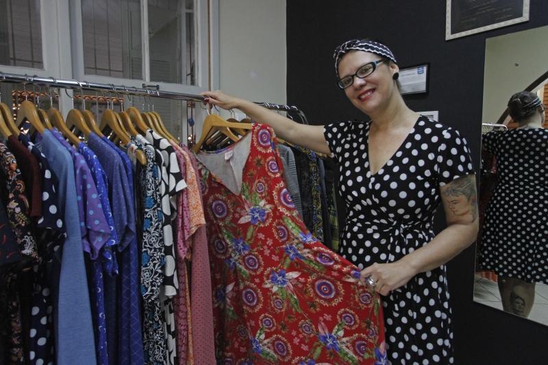 Alessandra Giordani vende peças grandes a pronta entrega em eventos ou a domicílio