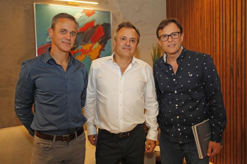 Felipe Hund, Eduardo Fonseca e Ênio Golbspan receberam os convidados