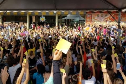Sem RUs, estudantes da UFSC entram em greve por tempo indeterminado