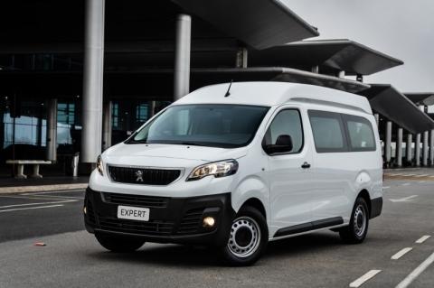 Furgões transformados em minibus são aposta do Groupe PSA no Brasil