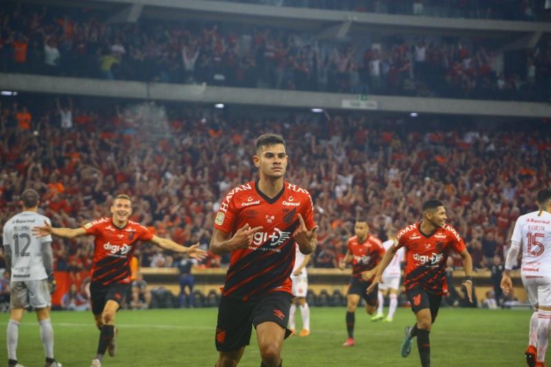 Jogo na Arena da Baixada, em Curitiba, foi decidido com gol de Bruno Guimarães