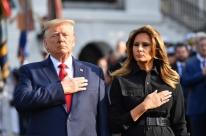 Trump e Melania 'estão bem', diz médico da família, após diagnóstico positivo para Covid-19