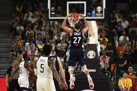 França acaba com invencibilidade de 13 anos dos EUA e avança à semi do Mundial