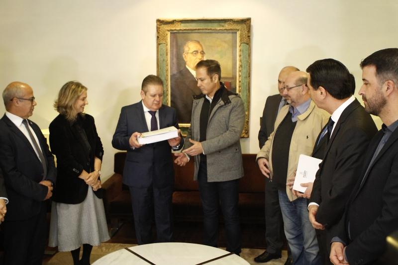 Governador em exercício, Ranolfo entrega projeto ao presidente Lara