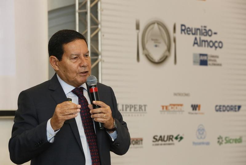 Hamilton Mourão falou a empresários em Porto Alegre nesta quinta