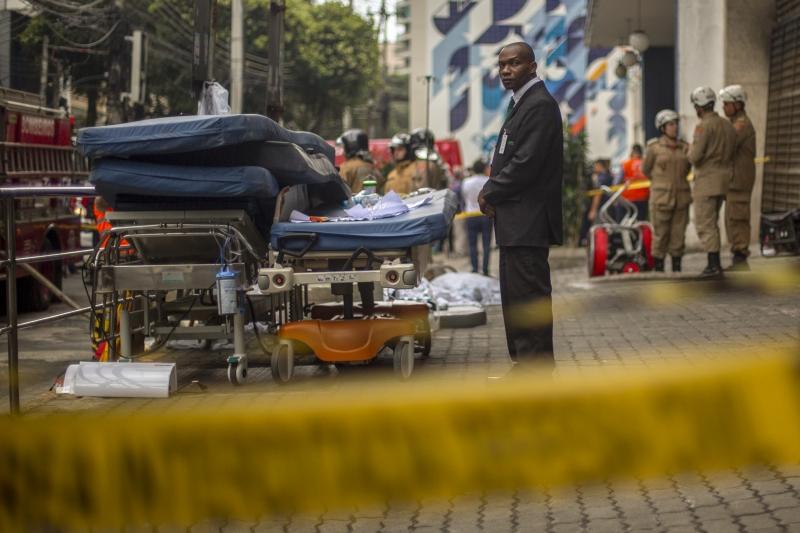 Onze pessoas morreram e dezenas tiveram de ser transferidos para outros hospitais