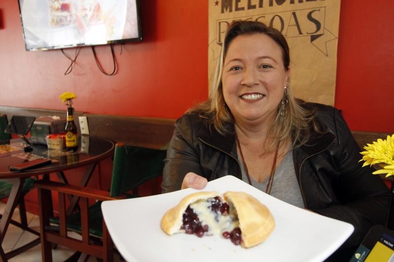 Shana Poletto, dona da Usina do Pastel, lançou a iguaria especialmente para o Mês Farroupilha
