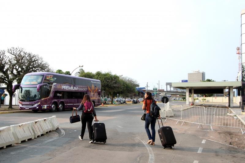 Passageiras acabaram indo ao antigo terminal e tiveram de correr para fazer check-in no novo lugar