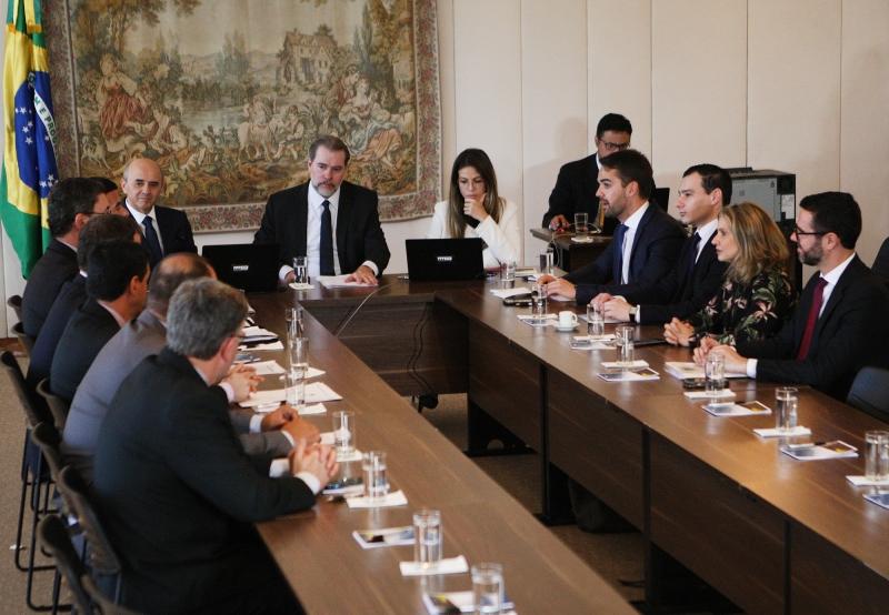 Chefes do Executivo e Judiciário se reuniram em Brasília; impasse em orçamento é mediado por Dias Toffoli (c)