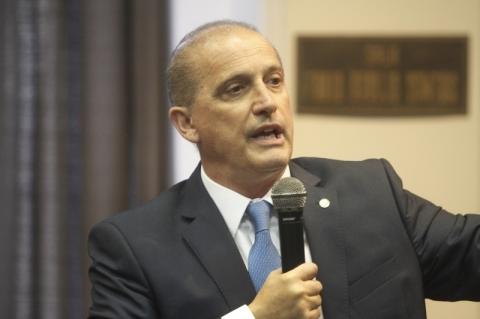 Coronavírus: brasileiros serão trazidos de volta até sexta-feira, diz Onyx