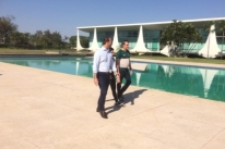Bolsonaro passa por exames em Brasília