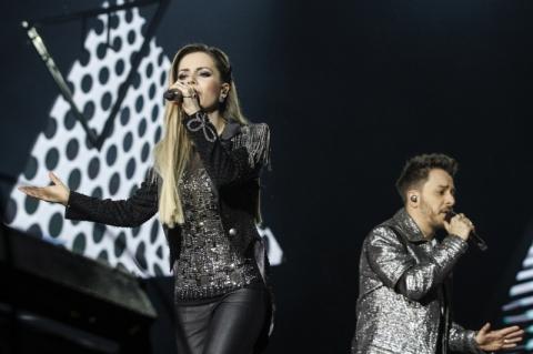 Sandy & Junior relembram clássicos em show para 46 mil fãs em Porto Alegre