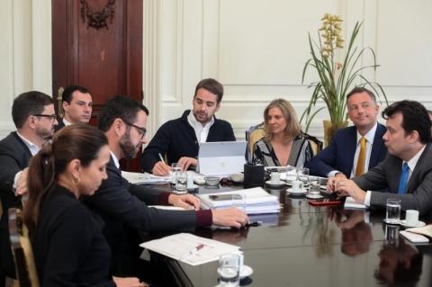 Estado e BNDES assinam contrato para projeto de venda da Sulgás