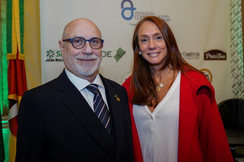 Paulo Afonso Pereira, presidente da ACPA, com Maria Hilda Marsiaj Pinto