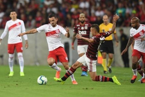 Inter vai à CBF e quer ouvir áudios do VAR de jogo contra o Flamengo