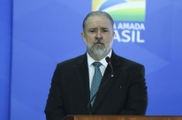 Aras defende troca de dado sigiloso sem aval da Justiça, e Toffoli recua sobre relatórios da Receita