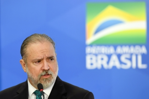 Augusto Aras ameaça marco da Lava Jato