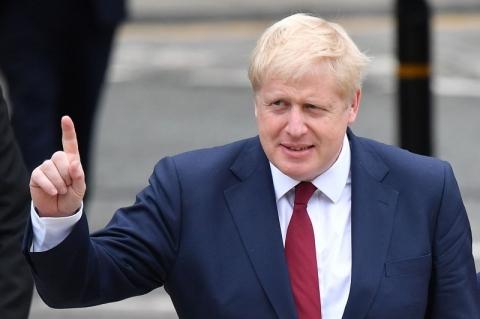 Boris Johnson cria 'regra dos seis' para conter disseminação da Covid-19
