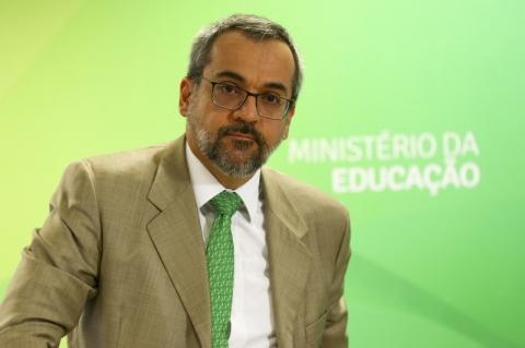 Weintraub defende ausência de ditadura no Enem e diz que tema não é pacificado