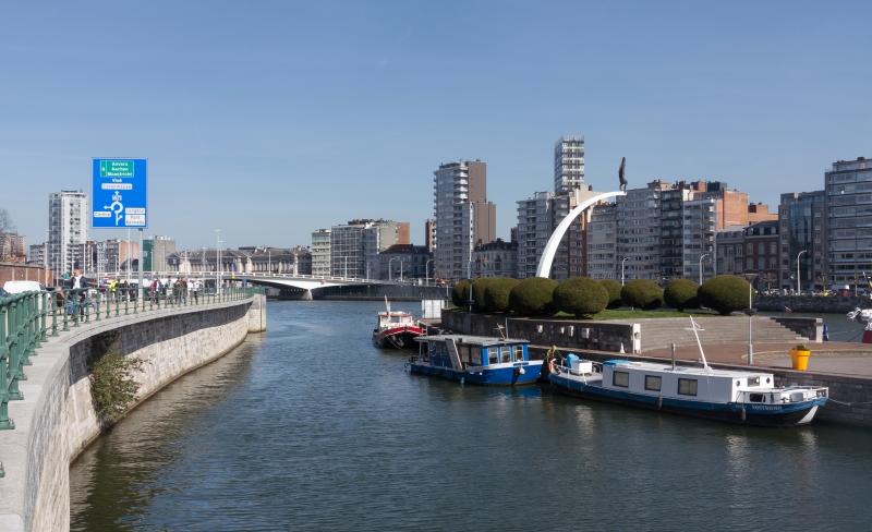 Canal Albert, em Liège, garante conexões fáceis com os grandes portos marítimos da Antuérpia