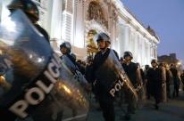 Crise entre os três poderes cerca o Peru de incertezas