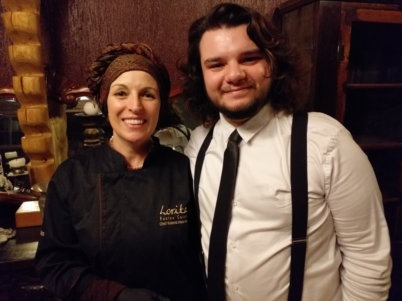 A chef Roberta Horn Gomes com o cantor Ricardo Seffner no Lorita