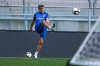 'Dentro de campo são 11 contra 11 e estamos bem', diz Renato, sobre Grêmio contra Flamengo