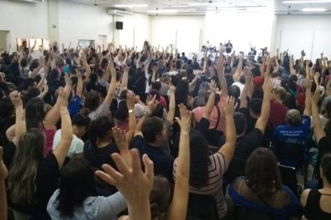 Funcionários do Imesf aprovam greve geral nos postos de saúde