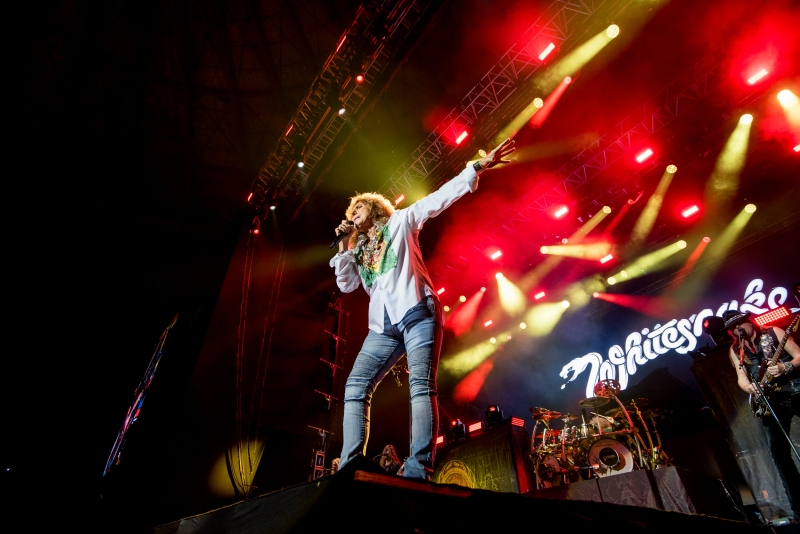 {'nm_midia_inter_thumb1':'https://www.jornaldocomercio.com/_midias/jpg/2019/10/02/206x137/1_pan___festival_rock_ao_vivo_com_as_bandas_helloween__whitesnake_e_scorpions___banda_whitesnake___foto_edu_deferrari_opus_promocoes-8860935.jpg', 'id_midia_tipo':'2', 'id_tetag_galer':'', 'id_midia':'5d94fdebb3cc3', 'cd_midia':8860935, 'ds_midia_link': 'https://www.jornaldocomercio.com/_midias/jpg/2019/10/02/pan___festival_rock_ao_vivo_com_as_bandas_helloween__whitesnake_e_scorpions___banda_whitesnake___foto_edu_deferrari_opus_promocoes-8860935.jpg', 'ds_midia': 'PAN - Festival Rock Ao Vivo com as bandas Helloween, Whitesnake e Scorpions - banda Whitesnake - foto Edu Deferrari-Opus Promoções', 'ds_midia_credi': 'EDU DEFERRARI/DIVULGAÇÃO/JC', 'ds_midia_titlo': 'PAN - Festival Rock Ao Vivo com as bandas Helloween, Whitesnake e Scorpions - banda Whitesnake - foto Edu Deferrari-Opus Promoções', 'cd_tetag': '1', 'cd_midia_w': '800', 'cd_midia_h': '534', 'align': 'Left'}
