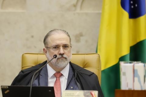 Aras pede ao STF acesso a vídeo de reunião com Bolsonaro e que 3 ministros sejam ouvidos