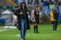 Renato Gaúcho mostra incômodo com postura tática do Corinthians e defende André