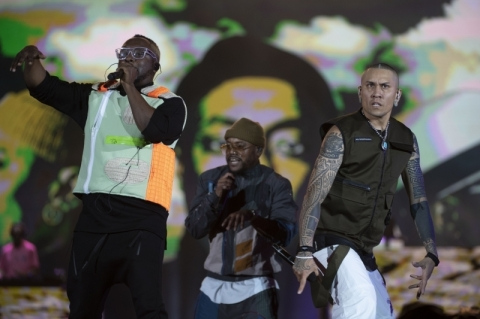 Black Eyed Peas convida Anitta e desfila hits anos 2000 no Rock in Rio