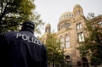 Ataque a tiros em frente a sinagoga mata duas pessoas na Alemanha