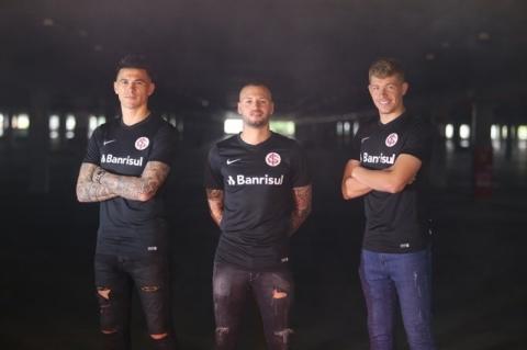 Inter lança camisa preta como terceiro uniforme de 2019