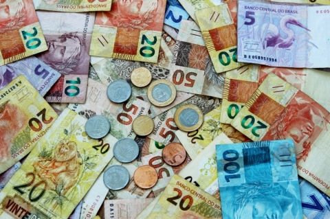 Governo prepara corte de R$ 6 bilhões nas despesas