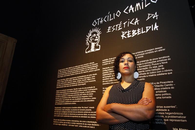 Pesquisadora Izis Abreu investiga a participação de artistas afrodescendentes no sistema gaúcho