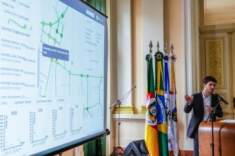 Porto Alegre e 99 lançam parceria de análise do trânsito pioneira no País