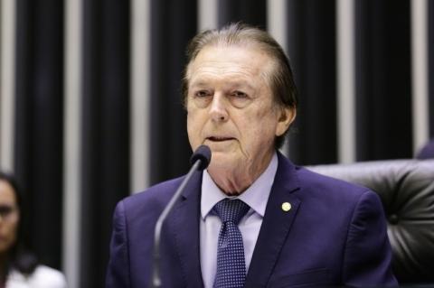 Luciano Bivar é alvo de mandados da PF