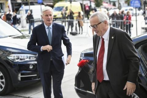 Premiê britânico anuncia fechamento de 'ótimo' acordo sobre Brexit