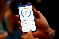 Apps ajudam a elevar número de investidores