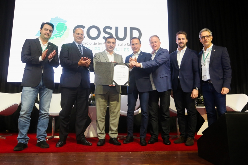 Governadores de sete estados se reuniram em Florianópolis no sábado
