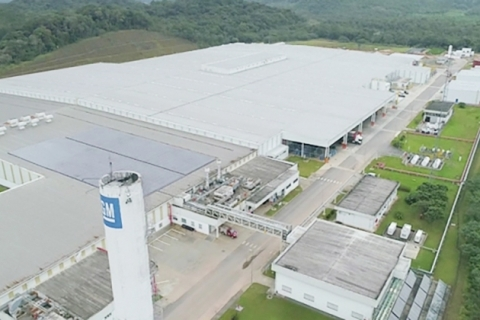 GM do Brasil inaugura linha de motores em sua fábrica de Joinville