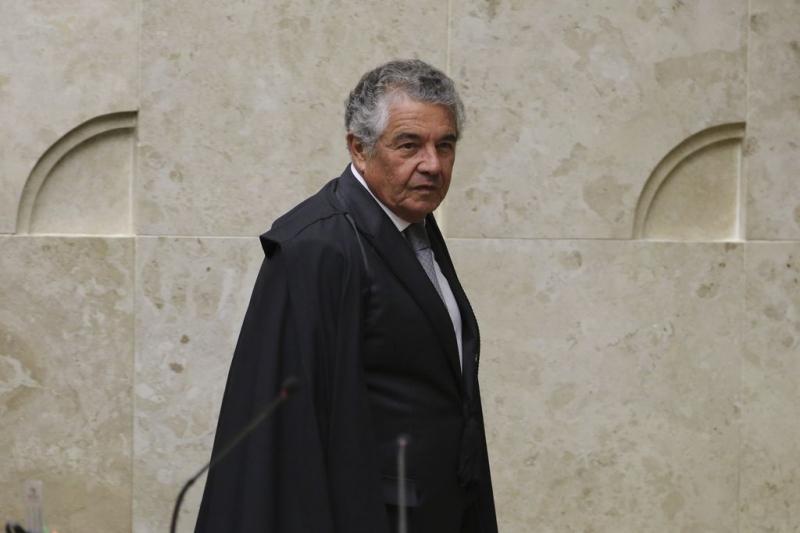 Marco Aurélio Mello, mandou arquivar o pedido de abertura de uma investigação sobre os R$ 89 mil em cheques depositados pelo ex-assessor parlamentar Fabrício Queiroz