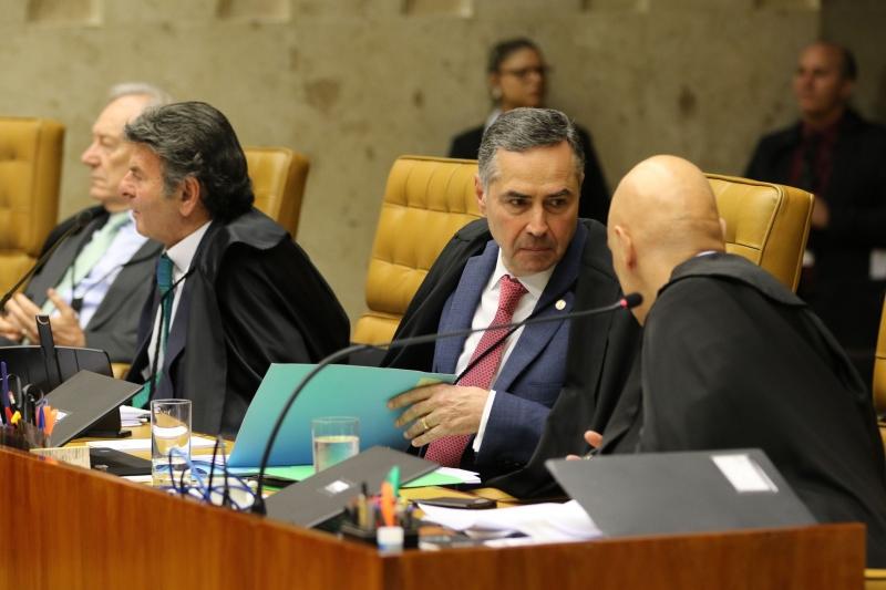 Ministros Barroso (c), Moraes e Fachin foram a favor de executar pena