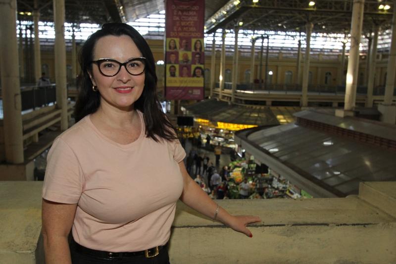 'O mercado é um prédio lindo, mas o mercadeiro é a alma', valoriza Adriana Kauer