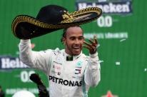 Hamilton vence GP do México, mas Bottas vai ao pódio e adia o 6º título do inglês