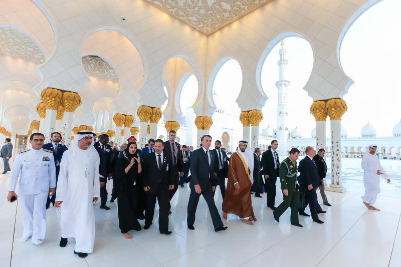 Jair Bolsonaro visitou, junto com comitiva, a Mesquita Xeque Zayed
