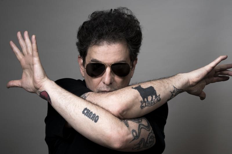 Com quase quatro décadas de carreira, músico argentino faz show nesta quinta-feira no Opinião