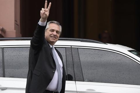 Alberto Fernández e Mauricio Macri dão início à transição de governo