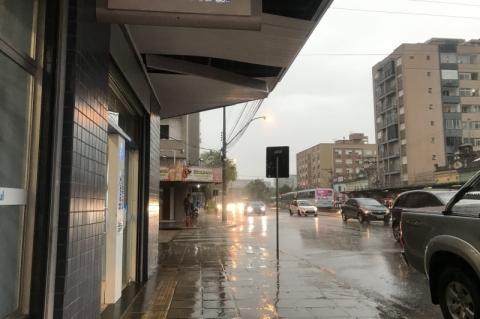 Temporal amplia estragos e falta de luz no Rio Grande do Sul